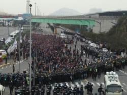 화물연대 운송거부 장기화…19일 대규모 집회