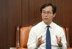 """김영우 의원, """"유승준""""은 """"진짜사나이법""""으로 막는다"""