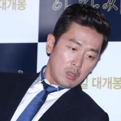 <!HS>하정우<!HE>, 아티스트컴퍼니 行…정우성·이정재 한솥밥, 배우 영입 기준 보니
