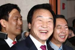 """손학규, """"문재인 안 되는 이유? 제2의 <!HS>박근혜<!HE>가 나오기 때문"""""""