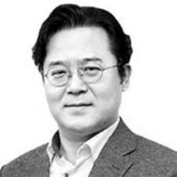 [<!HS>노트북을<!HE> <!HS>열며<!HE>] 기업 안 보이는 한국의 4차 산업혁명 전략