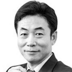 [<!HS>노트북을<!HE> <!HS>열며<!HE>] 김정은 논쟁