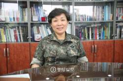 <!HS>안철수<!HE> 첫 TV 찬조연설 출연자?...최초 여군 보병장군