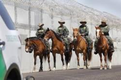 "<!HS>트럼프<!HE>, ""멕시코는 국경 장벽 건설 비용 결국 내게 될 것"" 압박"