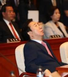 """'새타령' 틀어준 김어준에 김성태, """"철새타령이냐. 잔인하다"""""""