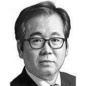[이하경 칼럼] 문재인, '박근혜 착시효과' 유혹 벗어나라