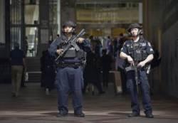 영국 테러 경보 격상...거리 경비에 군대 투입