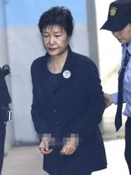 """<!HS>박근혜<!HE> 전 대통령 """"'나쁜 사람' 말한 기억 없다"""""""