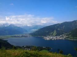아침엔 산에서 스키, 오후엔 호수서 수영하는 이곳!