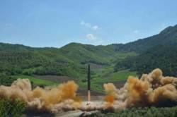 북한은 ICBM 중국은 사드, 전략의 노림수