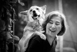 [권혁재 사진전문기자의 Behind & Beyond] 강아지 엄마로 사는 일흔의 조각가