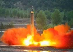 """""""괌을 타격할 계획 있다"""" 큰소리치는 북한, 숨겨진 의도는 달라"""