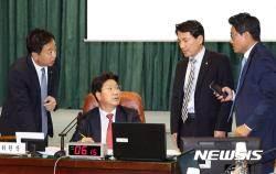 """[종합2보]감사원 국감···與 """"세월호 감사부실"""" 野 '적폐청산' 비판"""