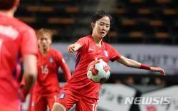 '3연패 마감' 윤덕여호, 한국 여자축구의 안타까운 현실