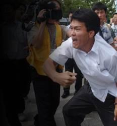 北 회담 대표는 남한서 몸싸움했던 15년 전 그 기자