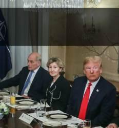 """트럼프 """"독일은 러시아 포로"""" 이 순간 옆자리 켈리도 짜증"""