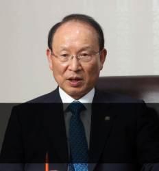 """여당 의원의 직격탄  """"최저임금 또 올리다니 상인들 문 닫게 만들 것"""""""