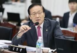 한국당 김성찬 총선 불출마···유민봉 이어, 쇄신론 세진다