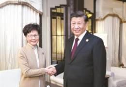 """시진핑 """"홍콩 시위대는 '폭력범죄 분자'···경찰 진압 지지"""""""