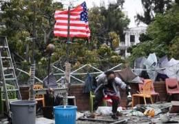 홍콩 '최후의 요새' 결국 뚫렸다···이공대, 성조기들고 SOS