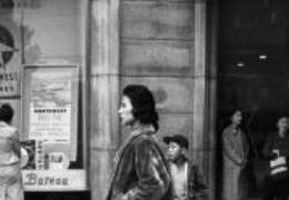 50년대에도 이런 서울 멋쟁이들이···누가 찍은 사진일까