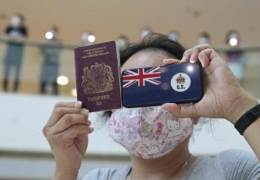 """""""홍콩에 있으면 굶어 죽을 판""""···23년전 '엑소더스' 재현된다"""