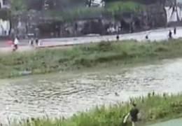 단독급류 떠내려간 8살 아이···20대 경찰은 바로 몸 던졌다