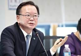 """김부겸 """"윤석열이 무슨 선각자인양····野주자 1위 잘못됐다"""""""