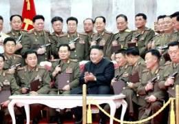 """단독""""계몽군주""""라는 김정은, 군부대 시찰 3년간 3배 증가"""