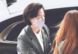 """추미애 """"야당은 대검 저격해야"""" 윤석열 """"정치인에 무대응"""""""