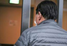 사퇴 사흘 만에 모습 드러낸 윤석열···부인 사무실 방문