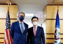 """내퍼 부차관보 만난 황교안 """"한미 백신 공조 당부했다"""""""