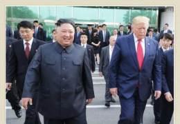 문 대통령만 쏙 뺐다···김정은·트럼프 둘만 나온 北화보집