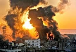 """""""이스라엘군 가자지구 공습···AP통신 입주 12층 건물 파괴"""""""