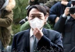 """尹 뼈있는 메시지 """"5·18 정신, 독재엔 저항하란 국민 명령"""""""