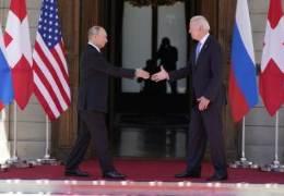 """""""러시아, 중국 때문에 찌그러져"""" 바이든의 이이제이 전략"""