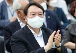 판치는 '윤석열 x파일' 뿌리는···'장모와 원한' 동업자 주장