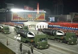 북한, 열병식 수위 조절···바이든 떠보는 '로우키' 전략
