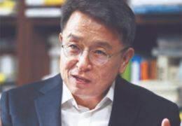 """라디오 DJ 된 이철희 """"민주당 당적도 정리, 인색해지겠다"""""""