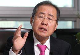 """""""검찰은 양아치, 사냥개""""···쓴소리 쏟아낸 검사 출신 홍준표"""
