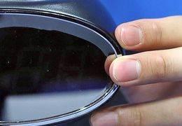 추근대던 유부남 상사가 준 시계, 몰카였다···한달반 생중계