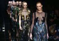 명품업체도 '말라깽이 모델' 패션쇼 안 세운다