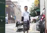 """[직업의 정석]나는 """"대한민국 최고 구두닦이"""" 성오봉입니다"""