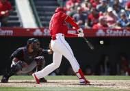 '야구 천재' 오타니, 2일 연속 홈런포 가동