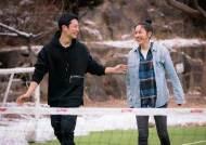"""국민 연하남 정해인 """"도망치고 싶을 만큼 행복하다"""""""