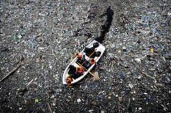 [알쓸신세] 치명적 '미세 플라스틱' 공포···韓 면적 15배 쓰레기 섬