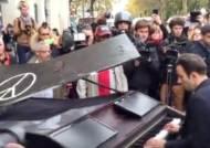 [국제] 파리 테러 현장에서 울려퍼진 '이매진'…U2 콘서트는 취소