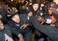 쓰러진 흑인에게 15발 총격 동영상 … 분노의 시카고