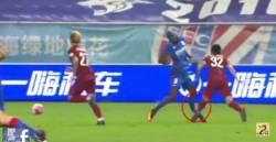 """중국축구에서 끔찍한 부상당한 뎀바 바 """"이미 지난일…인생이 그런 것"""""""
