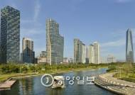 고층 빌딩숲에 외국인 2300명 상주…국제 비즈니스 허브로